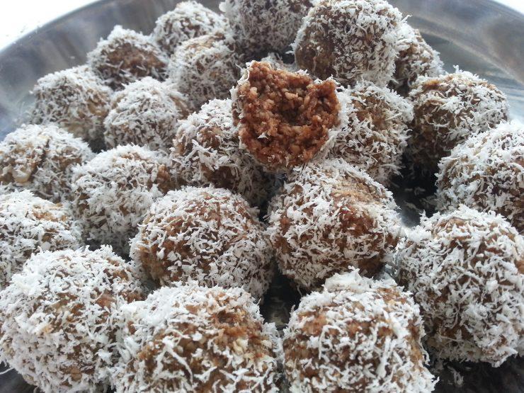 Сыроедческие кокосовые конфеты